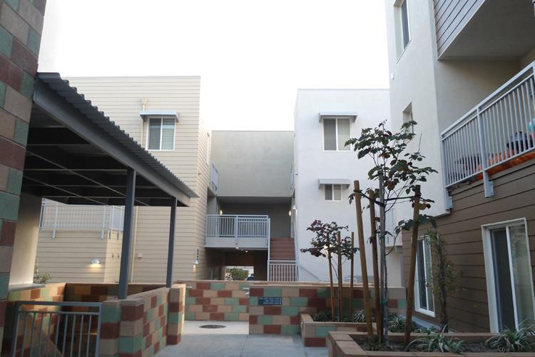 Los Feliz Garden View Apartments Project 5